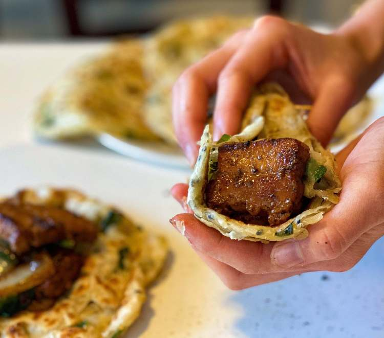 The BBQ pork belly helps to bring out the aroma of this homemade flaky pancake.